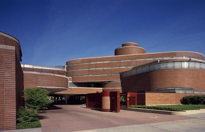 Johnson & Johnson Wax Headquarters Photo