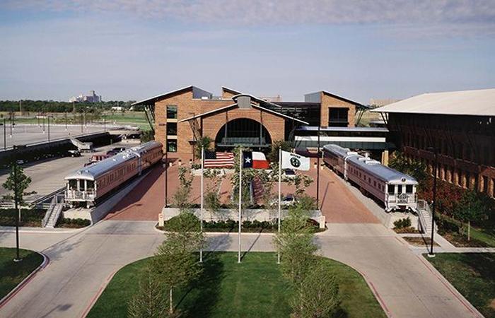 Bnsf Railway Headquarters Photo