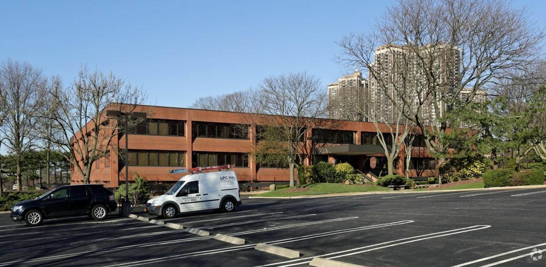 Astoria Bank Corporate Office